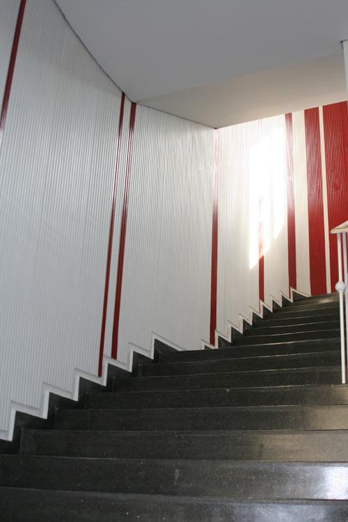 Treppenhaus streichen streifen  Malermeister Berger   Struktur- und Vinyltapeten   Vliestapeten ...